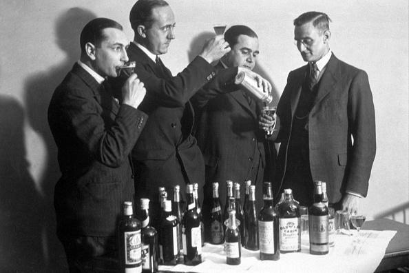 Topics「Professional Drinkers」:写真・画像(4)[壁紙.com]