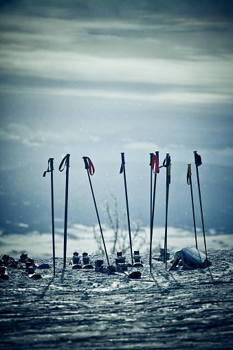 スキーストック「スキー、スキー山での極数」:スマホ壁紙(18)