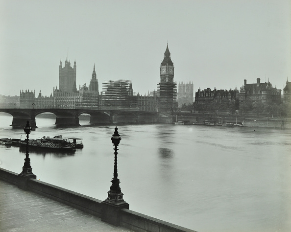Water's Edge「Westminster Bridge And The Palace Of Westminster With Big Ben, London, 1934」:写真・画像(2)[壁紙.com]