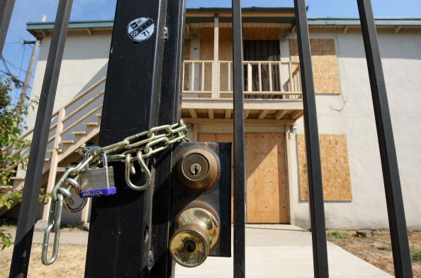 Boarded Up「Monthly Foreclosures Up 55 Percent Compared To July Of Last Year」:写真・画像(17)[壁紙.com]