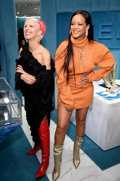Linda Fargo「Robyn Rihanna Fenty And Linda Fargo Celebrate The Launch Of FENTY At Bergdorf Goodman」:写真・画像(8)[壁紙.com]