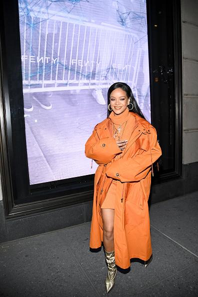 Fashion「Robyn Rihanna Fenty And Linda Fargo Celebrate The Launch Of FENTY At Bergdorf Goodman」:写真・画像(8)[壁紙.com]