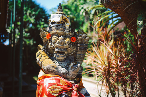 Balinese Culture「Dvarapala guardian at the entrance of a temple in Bali, Indonesia」:スマホ壁紙(14)