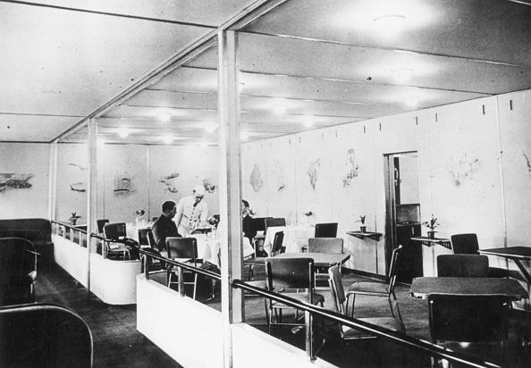 Dining Room「Hindenburg Interior」:写真・画像(18)[壁紙.com]