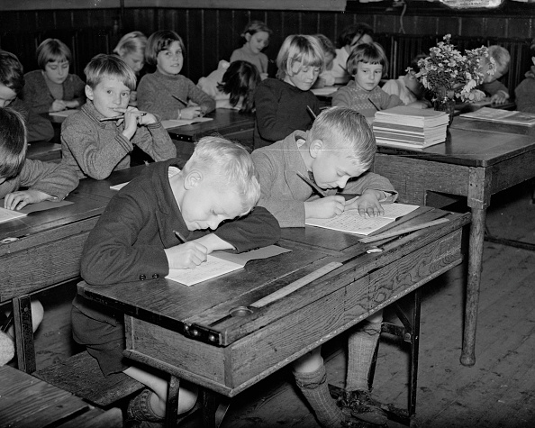 Elementary Student「Front Of The Class」:写真・画像(10)[壁紙.com]