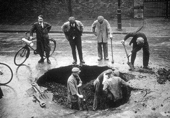 Digging「Burst Water Main」:写真・画像(8)[壁紙.com]