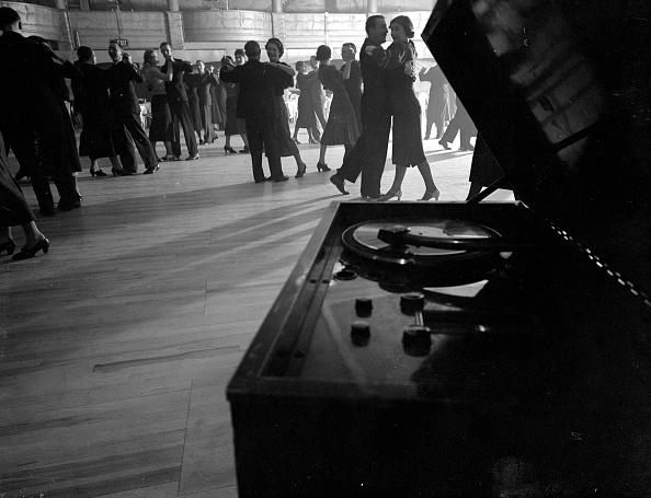 Dance Floor「Dance Hall」:写真・画像(7)[壁紙.com]