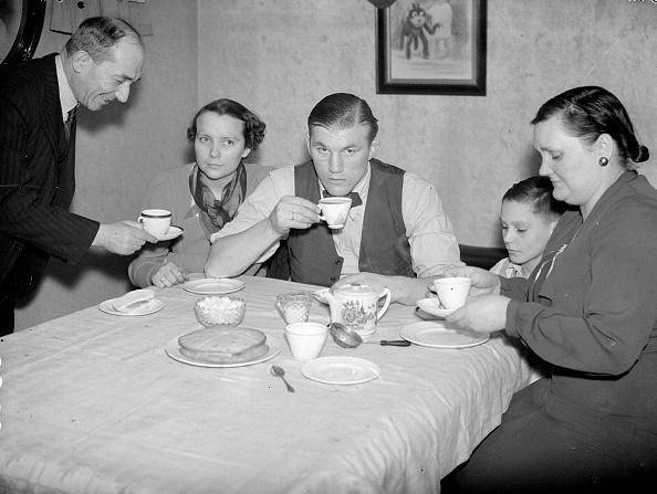 Dining Room「Teatime」:写真・画像(0)[壁紙.com]