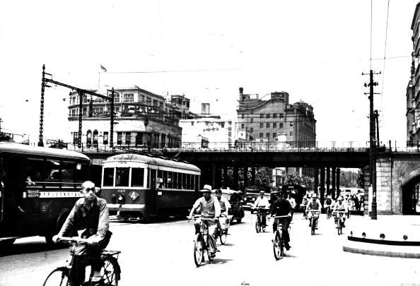 Showa Period「City Cyclists」:写真・画像(4)[壁紙.com]