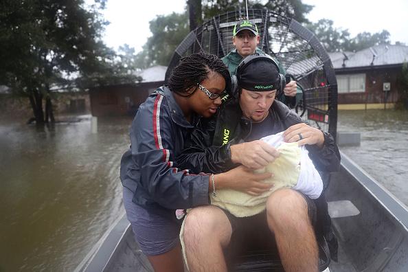 Care「Epic Flooding Inundates Houston After Hurricane Harvey」:写真・画像(1)[壁紙.com]