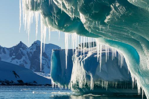 Sub-Antarctic Islands「Iceberg, Lemaire Channel, Antarctica」:スマホ壁紙(4)