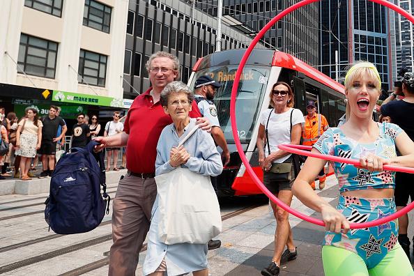 Activity「First Phase Of Sydney Light Rail Network Opens」:写真・画像(10)[壁紙.com]