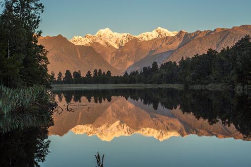 Fox Glacier「Lake Matheson South Island New Zealand」:スマホ壁紙(19)