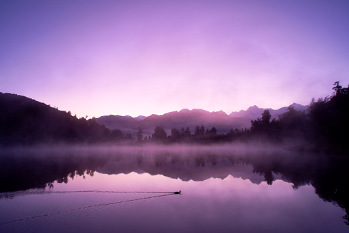 Tranquil Scene「Lake Matheson And The Southern Alps At Dawn」:スマホ壁紙(6)
