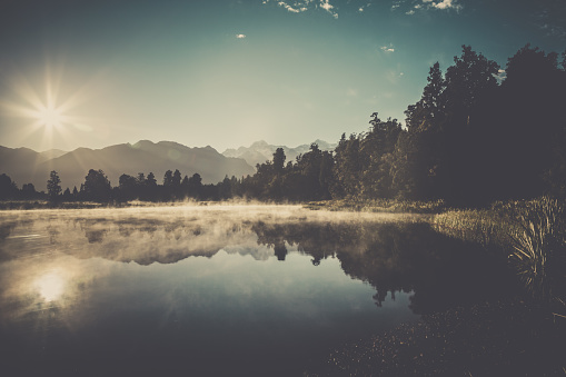 Westland - South Island New Zealand「Lake Matheson Nature Panorama at Sunrise, New Zealand」:スマホ壁紙(3)