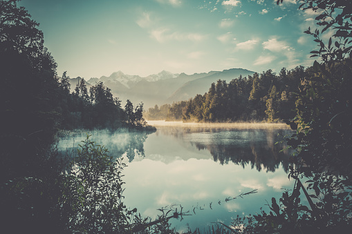 New Zealand「Lake Matheson Nature Panorama at Sunrise, New Zealand」:スマホ壁紙(2)