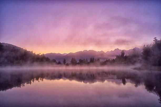 Lake Matheson Reflections On New Zealand's South Island:スマホ壁紙(壁紙.com)