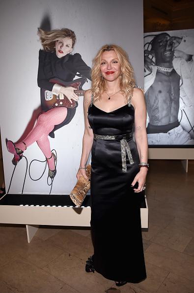 Swarovski「Harper's BAZAAR Celebrates 'ICONS By Carine Roitfeld' At The Plaza Hotel Presented By Infor, Laura Mercier, Stella Artois, FUJIFILM And SWAROVSKI - Photo Wall」:写真・画像(16)[壁紙.com]