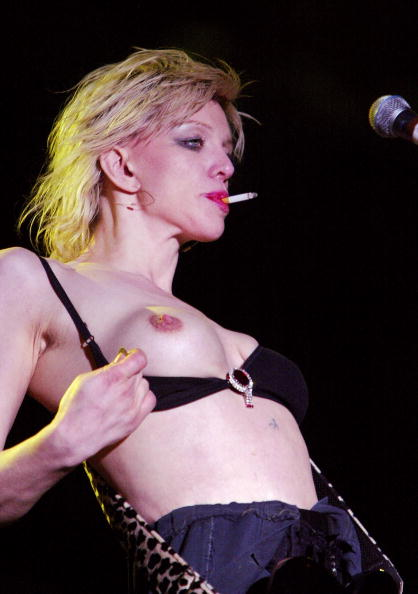 Courtney Love「Music Midtown 2004 - Day 3 5/2/04」:写真・画像(10)[壁紙.com]