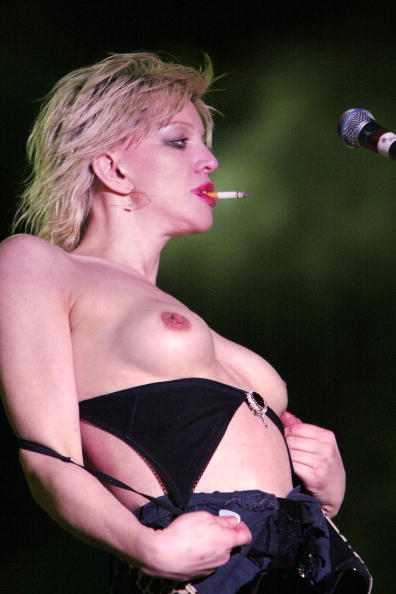 Courtney Love「Music Midtown 2004 - Day 3 5/2/04」:写真・画像(5)[壁紙.com]