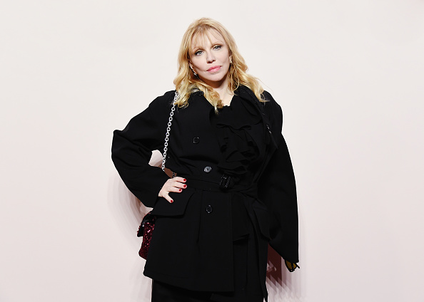 Courtney Love「Tom Ford FW 2019 - Arrivals - New York Fashion Week: The Shows」:写真・画像(1)[壁紙.com]