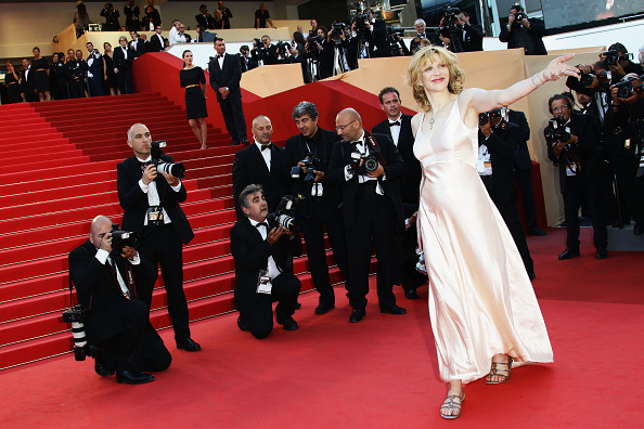"""V-Neck「""""This Must Be The Place"""" Premiere - 64th Annual Cannes Film Festival」:写真・画像(17)[壁紙.com]"""