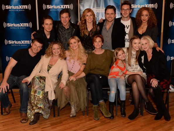 "Nashville「Cast Of ""Nashville"" Answer Questions From Fans During A SiriusXM ""Town Hall"" Special At Oceanways Studio In Nashville」:写真・画像(6)[壁紙.com]"