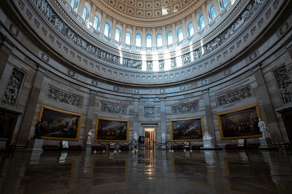 Capitol Hill「Senate Takes Up Coronavirus Relief Bill Passed By House」:写真・画像(9)[壁紙.com]