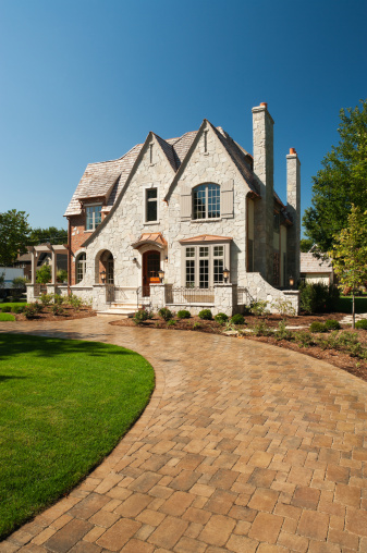 Chimney「Suburban mansion with paver driveway.」:スマホ壁紙(8)