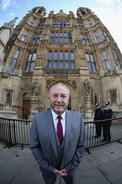 Oli Scarff「George Galloway Before He Is Sworn In As MP For Bradford West」:写真・画像(5)[壁紙.com]