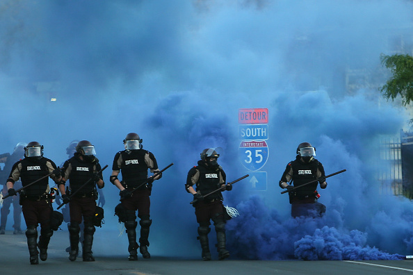 Police Force「Protests Continue Over Death Of George Floyd, Killed In Police Custody In Minneapolis」:写真・画像(2)[壁紙.com]