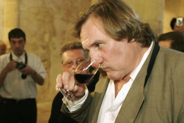 Drinking Glass「Gerard Depardieu Presents New Vintage Wines」:写真・画像(2)[壁紙.com]
