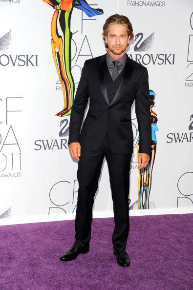 Long Sleeved「2011 CFDA Fashion Awards - Arrivals」:写真・画像(10)[壁紙.com]