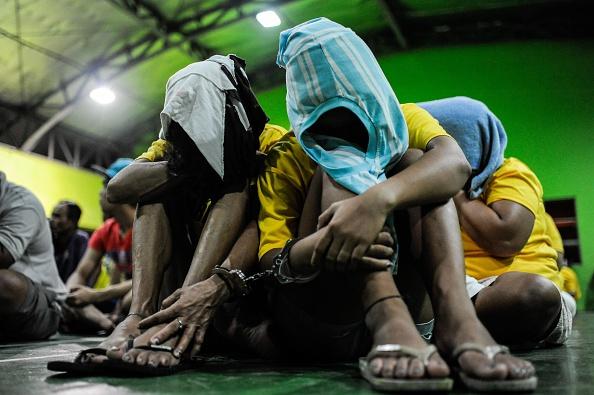 Surrendering「Death Toll Climbs Over Duterte's Drug War」:写真・画像(15)[壁紙.com]