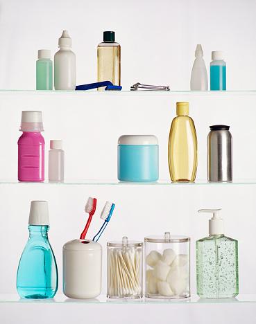 Bottle「Contents of Medicine Cabinet」:スマホ壁紙(0)