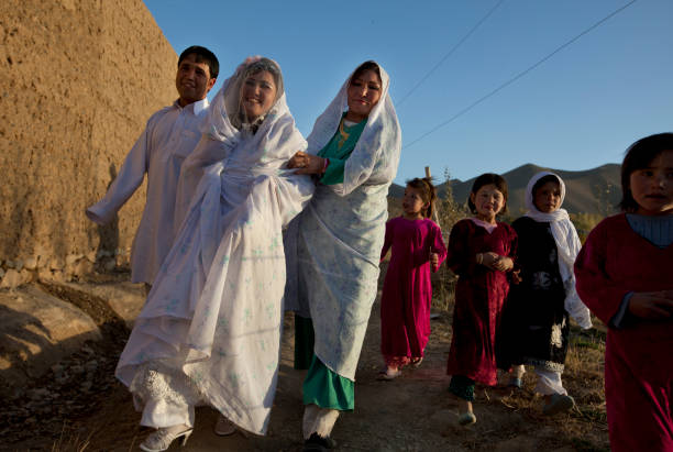 AFG:From The Afghan Beauty Parlor To Wedding:ニュース(壁紙.com)