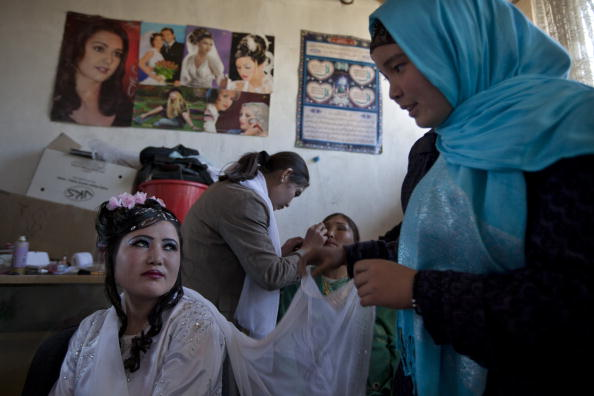 Kabul「AFG:From The Afghan Beauty Parlor To Wedding」:写真・画像(11)[壁紙.com]