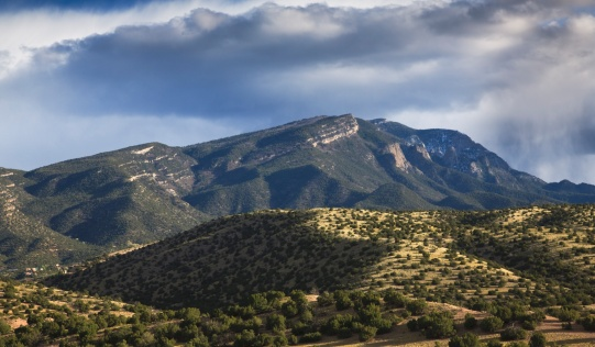 Sandia Mountains「storm passes over the sandia mountains, viewed from placitas」:スマホ壁紙(0)