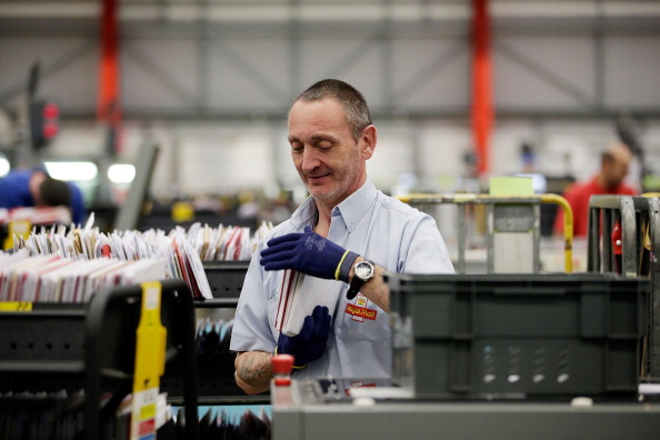 Royal Mail「Royal Mail Processes Final Mail For Christmas Deadlines」:写真・画像(18)[壁紙.com]