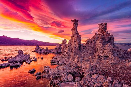 Volcanic Landscape「Mono Lake Sunset」:スマホ壁紙(13)