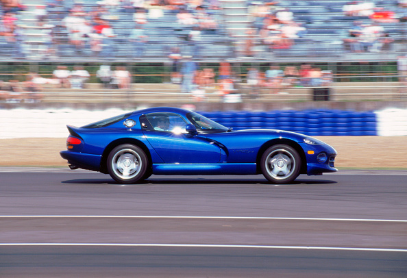 Country Road「1996 Dodge Viper GTS」:写真・画像(2)[壁紙.com]