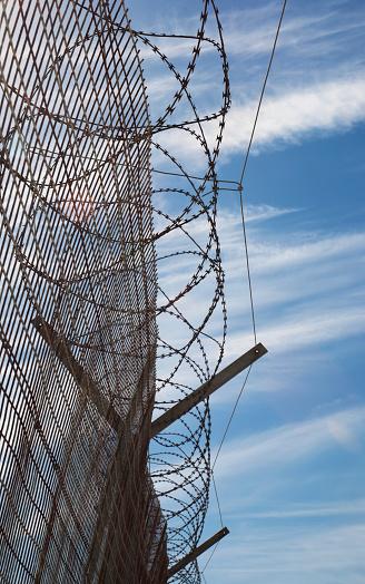 Infamous「Robben Island metal fence」:スマホ壁紙(10)