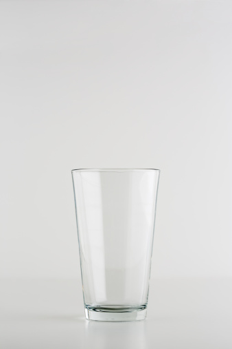 Southern USA「Clear glass on neutral background」:スマホ壁紙(5)