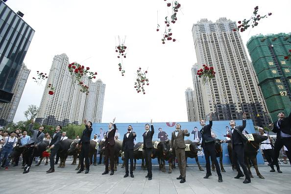 七夕「Hauling Cows To Woo Love During Traditional Qixi Festival」:写真・画像(12)[壁紙.com]