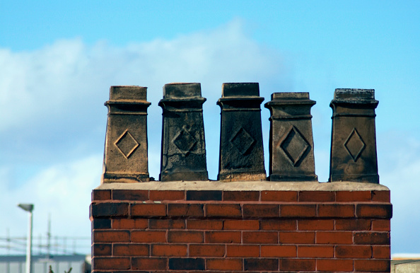 余白「Victorian chimney pots on a period property」:写真・画像(14)[壁紙.com]