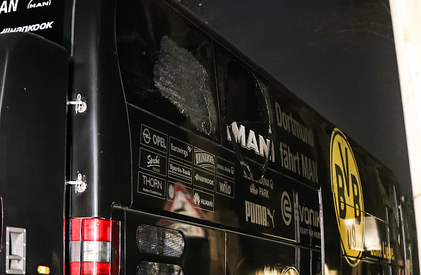 Bus「Borussia Dortmund Bus Explosion Injures One」:写真・画像(12)[壁紙.com]