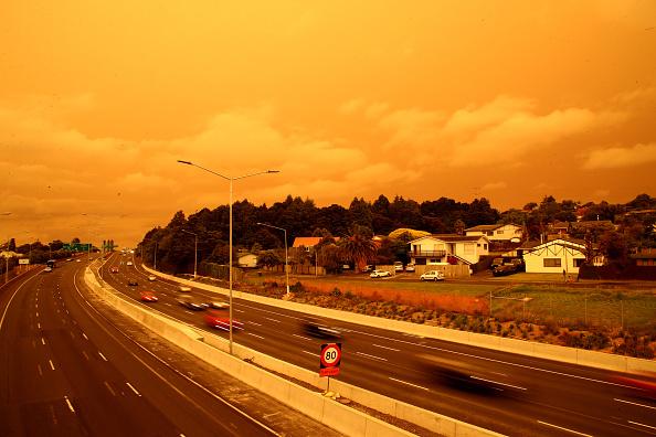 Auckland「Smoke From Australian Bushfires Blankets Auckland」:写真・画像(17)[壁紙.com]