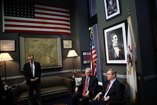 正義「President Obama's Supreme Court Nominee Judge Merrick Garland Meets With Sen. Mark Kirk (R-IL) On Capitol Hill」:写真・画像(19)[壁紙.com]