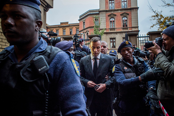 Oscar Pistorius「Oscar Pistorius Attends A Fresh Sentencing Hearing In Reeva Steenkamp Murder」:写真・画像(16)[壁紙.com]