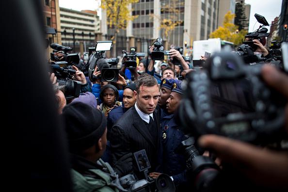 Oscar Pistorius「Oscar Pistorius Attends A Fresh Sentencing Hearing In Reeva Steenkamp Murder」:写真・画像(2)[壁紙.com]